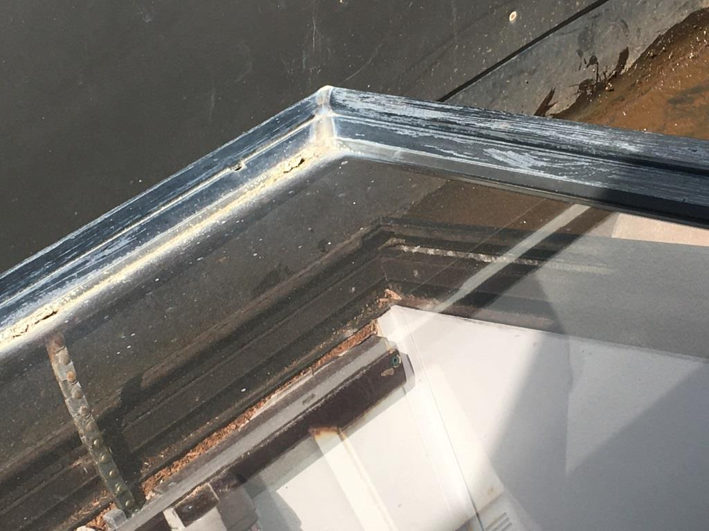 This skylight can have its bleached oxidised appearance restored with an Everbrite DIY Coating