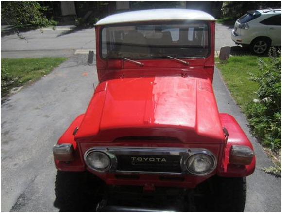 This old car had its paintwork restored with Everbrite Coating - see the difference